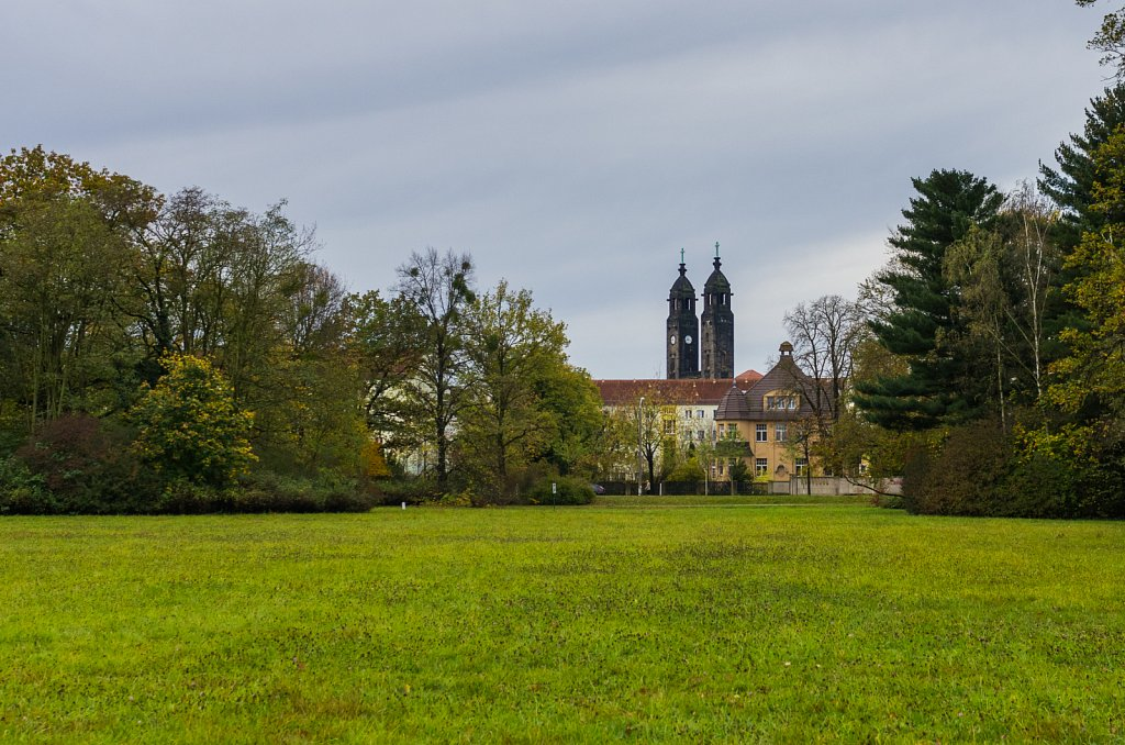 Blick auf die Christuskirche im Ortsteil Strehlen